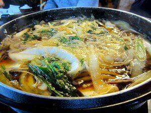 Суп Суки с морепродуктами и стеклянной лапшой